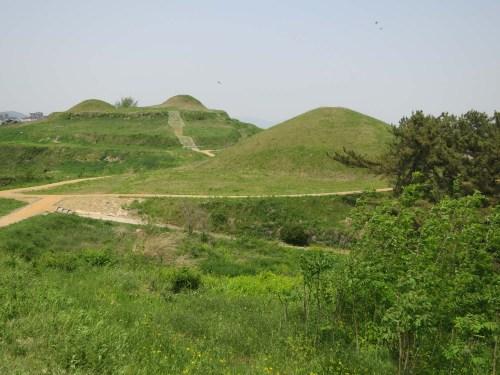 Gaya tombs on Marisan, Gaya-eup, Haman-gun