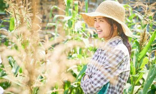 Kim Taeri in Little Forest