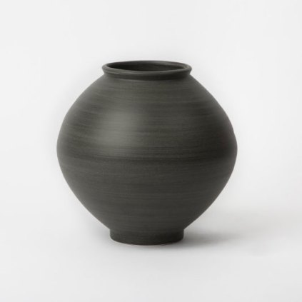 Mun Pyung: Black Moon Jar