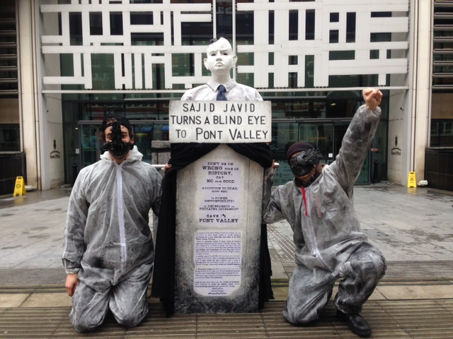 Statue unveiled to protest opencast coal