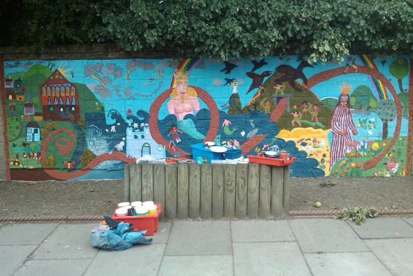 Streatham Wells Primary School Mural Hannah Miller