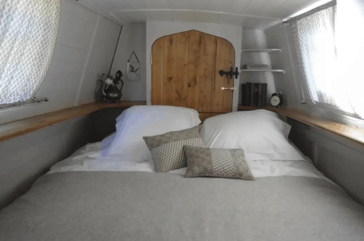 London Houseboats - Velvet Morning