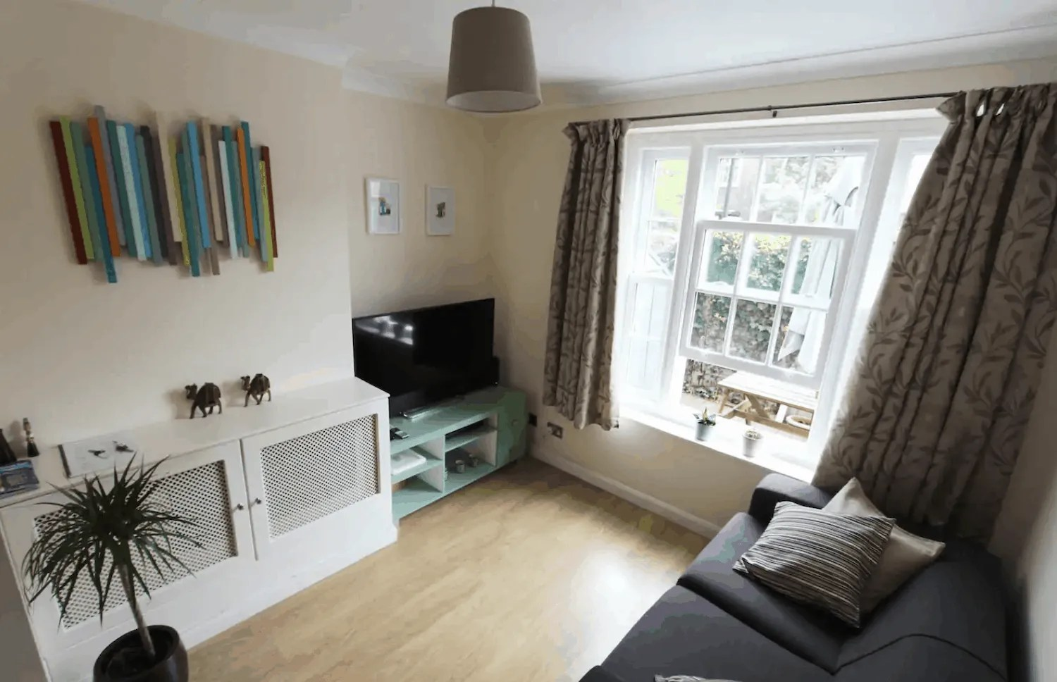 Budget London Airbnbs - Lambeth 2br Sitting Room
