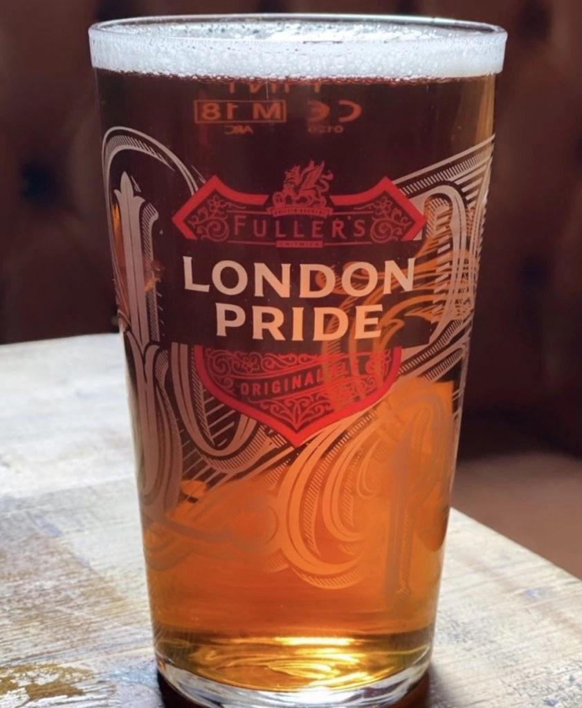 London on a Rainy Day - Pub Day