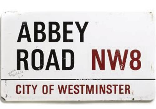 A Londra cambiano i cartelli delle strade e vanno allasta  London SE4