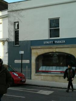 Finished mural London sign writer Nick Garrett