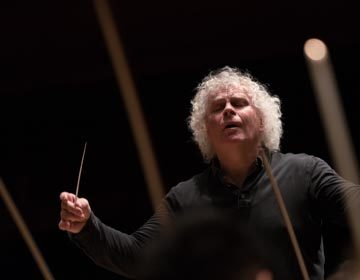 https://i0.wp.com/londonsymphony.wpengine.com/wp-content/uploads/2017/01/T03-Sir-Simon-Rattle-with-LSO-Hugh-Glendigging-360x280.jpg?resize=360%2C280