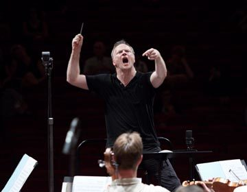 https://i0.wp.com/londonsymphony.wpengine.com/wp-content/uploads/2017/01/T21-Gianandrea-Noseda-Kevin-Leighton-360x280.jpg?resize=360%2C280