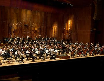 https://i0.wp.com/londonsymphony.wpengine.com/wp-content/uploads/2017/01/T91-OA-with-SSR-Alastair-Muir-360x280.jpg?resize=360%2C280