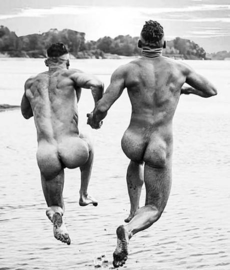 vintage-lads-Happily-naked