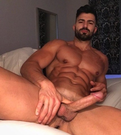Big-Cock-Pics-2019-sexy-muscle-lad-wanking