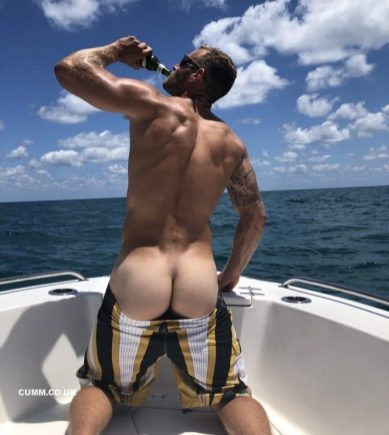 arse in a boat