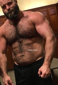 hairy-chest-muscle-dad