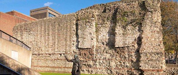hero-london-wall
