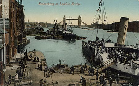 The London Belle embarking passengers at London Bridge, probably after 1900