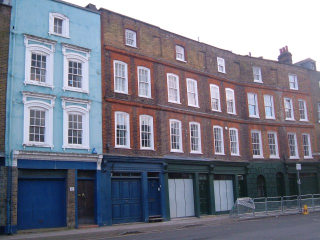 Georgian houses next to The Grapes pub in Narrow Street