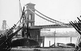 Brunel's Hungerford Suspension Bridge in London linking the market (now Charing Cross) with the south bank