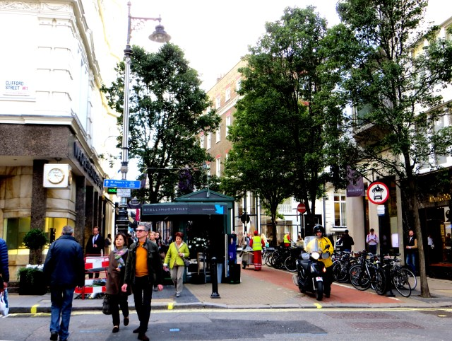 The junction between Old and New Bond Street