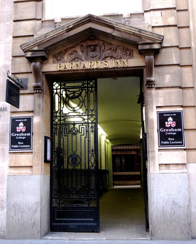 The entrance to Barnard's Inn from Holborn