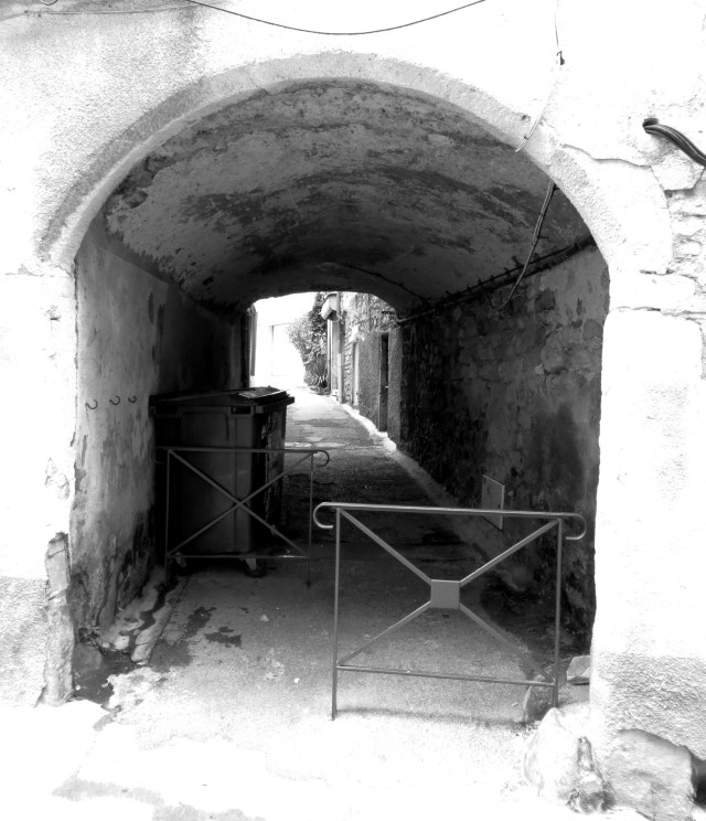 Vaulted passageway in St Hippolyte du Fort