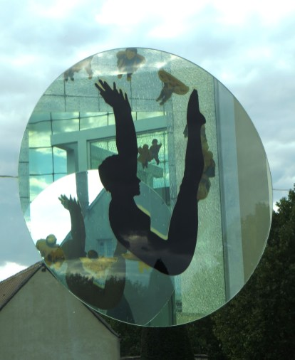 Installation on the Square of Mirrors
