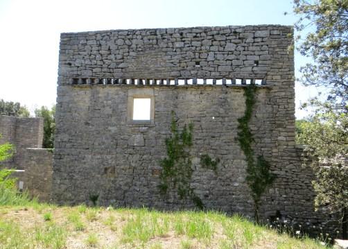 Rear wall
