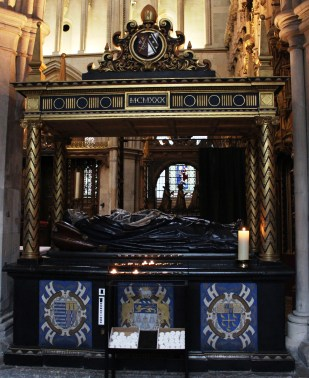 Lancelot Andrewes tomb