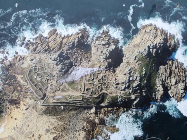 Castro de Barona, aerial views on noticeboard