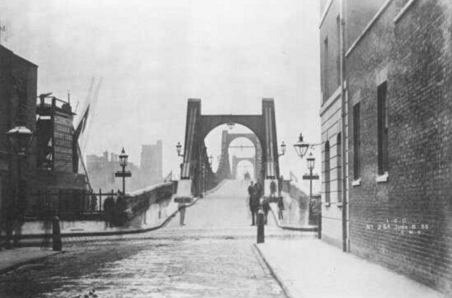Lambeth Bridge c.1900 (http://www.vauxhallcivicsociety.org.uk/history/lambeth-bridge/)