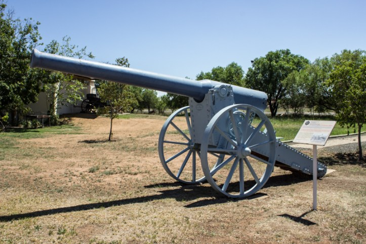 A replica of the 155mm Creusot Gun used by the Boers, the 'Long Tom'
