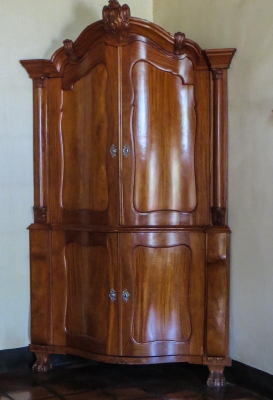 Corner cupboard in the Bletterman House