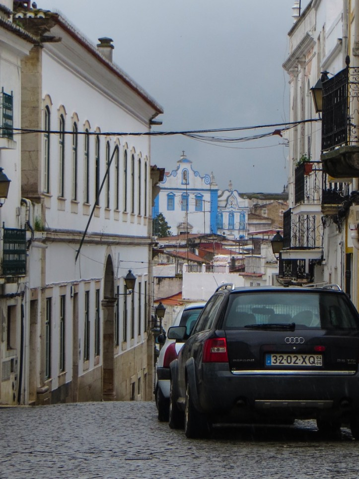 One of the narrow streets in Campo Maior