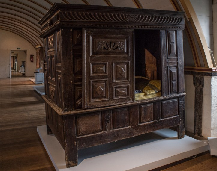Boxbed in the Chateau of Kerjean