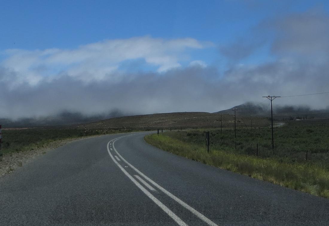 Fog on the road between Murraysburg and Graaff Reinet