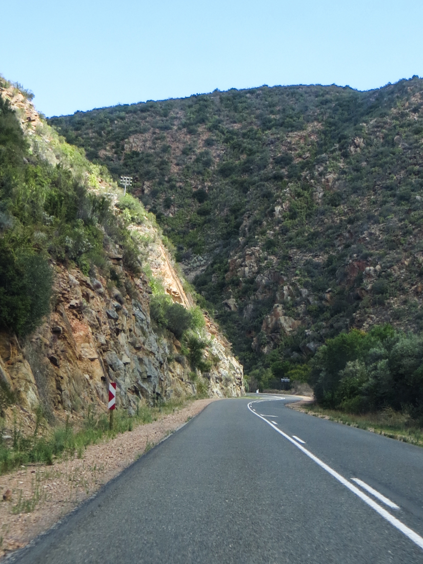 The road to the Cango Caves