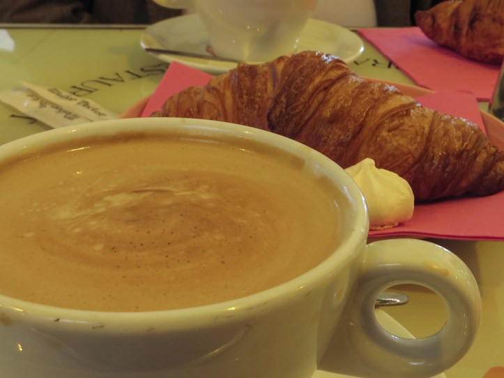 Coffee & croissants in St Malo