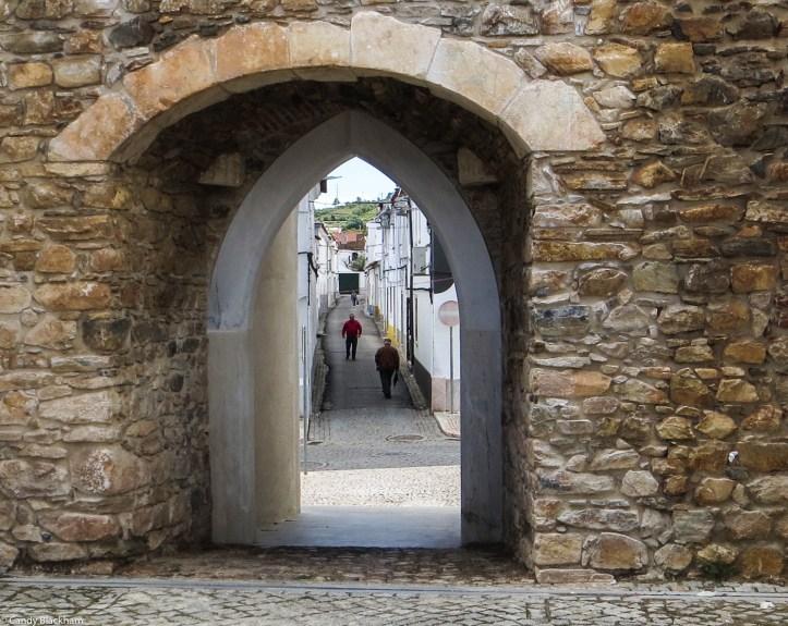 Mediaeval Walls & Gate, Borba
