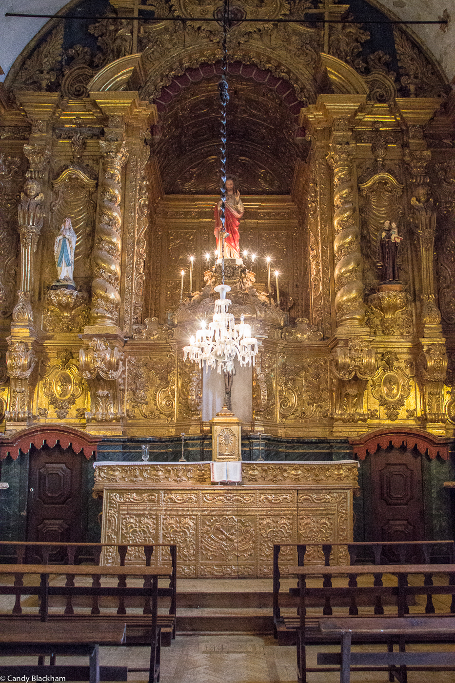 The gold-plated altars taken from the Monastery of St Francis, and now in the Church of Nossa Senhora da Piedade