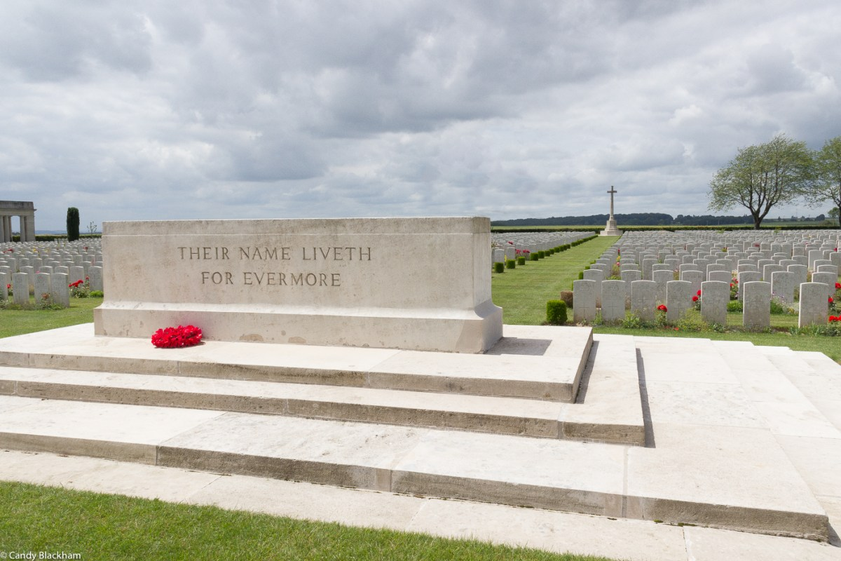Caterpillar Valley Cemetery, Longueval