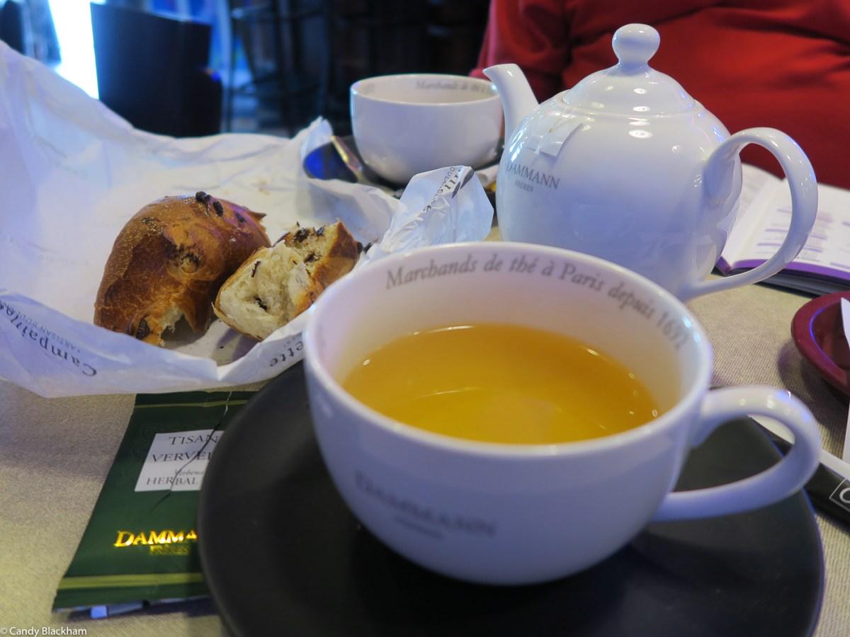 Tea and brioche in Hennebont