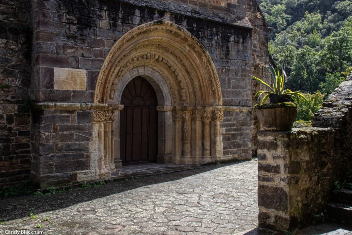 The main doorway of Santa Maria de Piasca