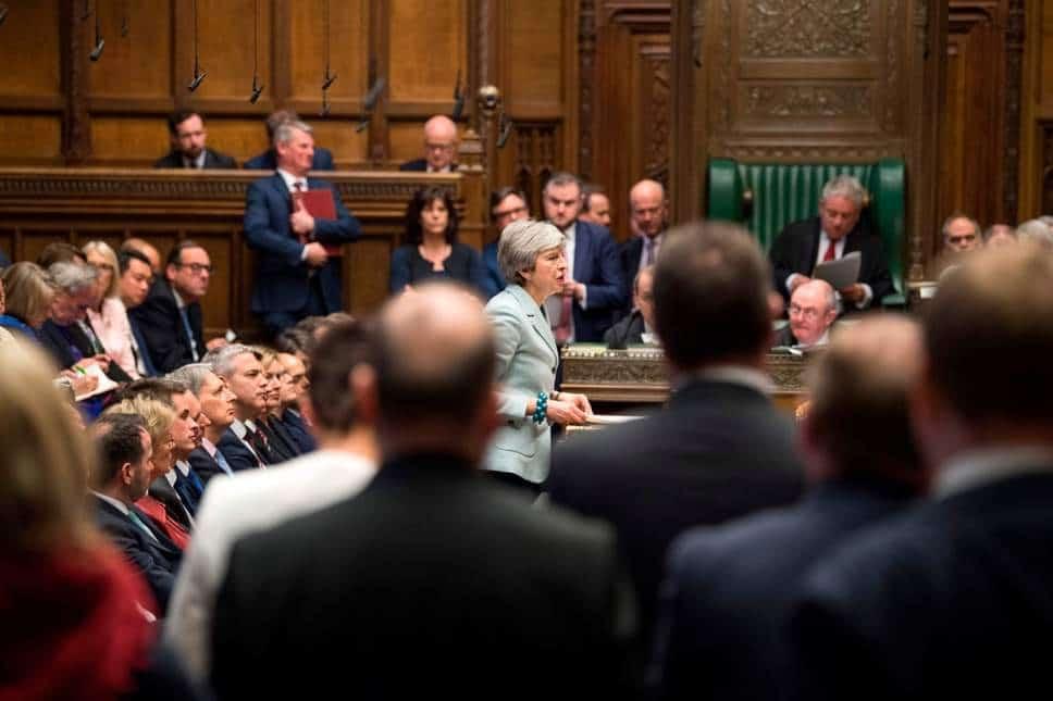 theresa may in parlamento per la brexit