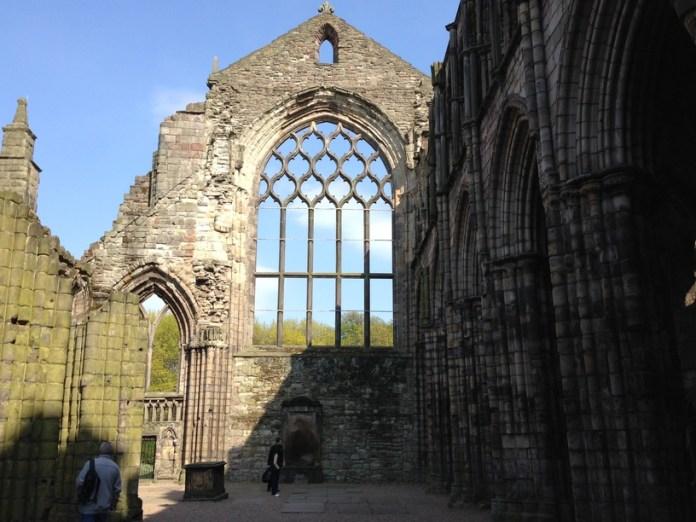 holyroodhouse manastır kalıntıları