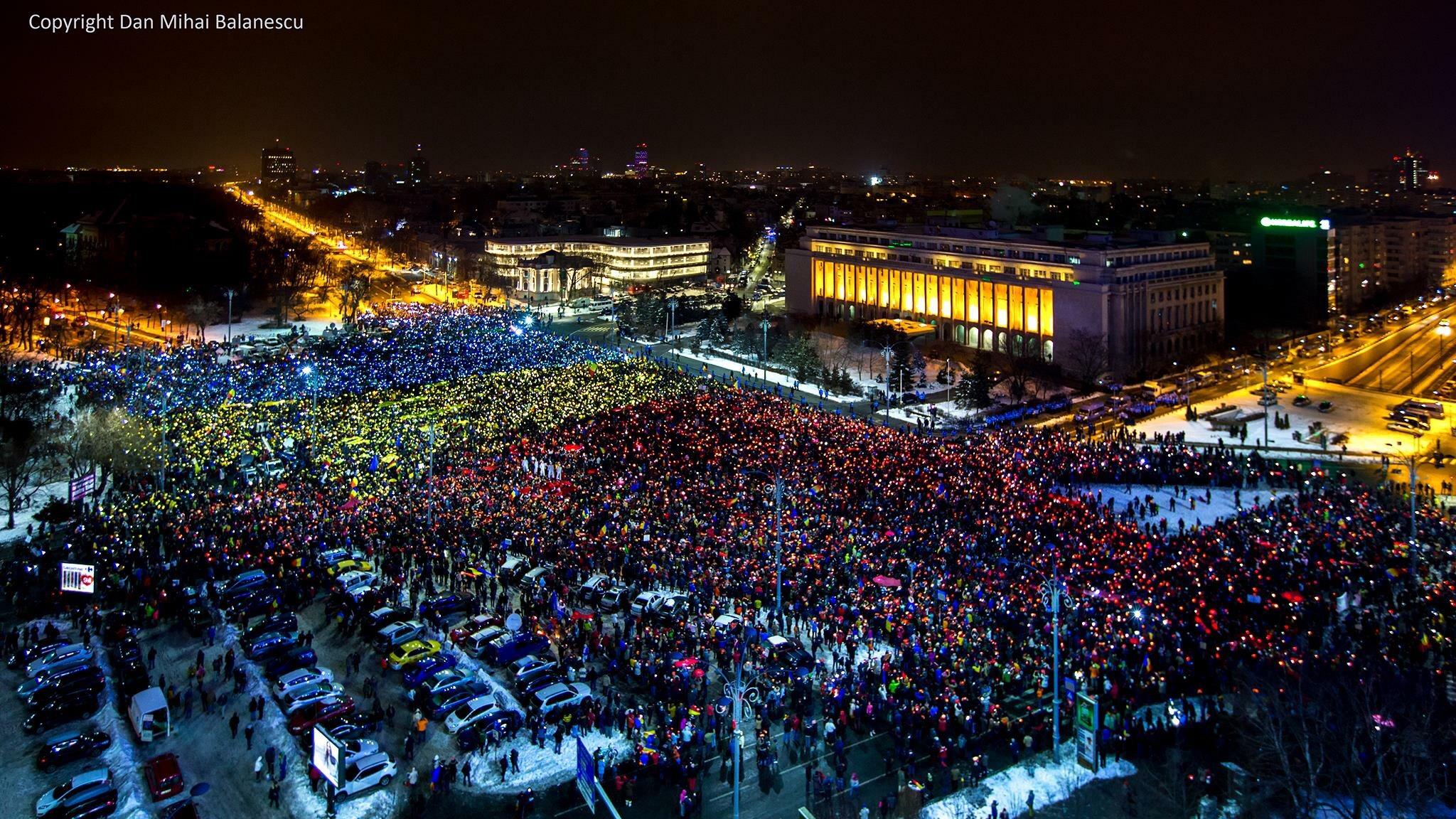 Drapelul uman / Piata Victoriei