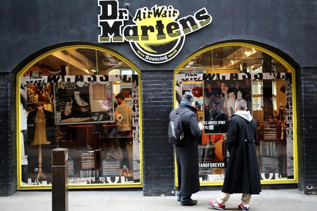 8542614_dr-martens-shop-front