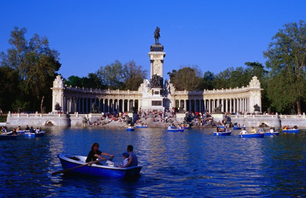 Parque Del Buen Retiro Madrid Spain Attractions