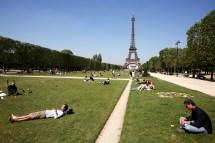 Parc Du Champ De Mars Paris France Attractions - Lonely