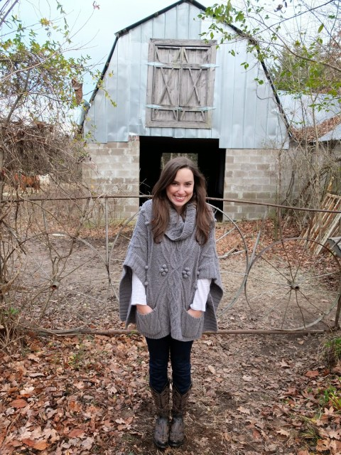 Anthropologie Grey Poncho, Grey Poncho, Anthropologie Poncho, Anthropologie Grey Sweater, Anthropologie Gray Poncho, Old Gringo Boots, Old Gringo Black Boots, Old Gringo Black and Brown Boots, Old Gringo Night Hawk Boots, Night Hawk Boots, Yippee Ki Yay Boots, Lone Star Looking Glass