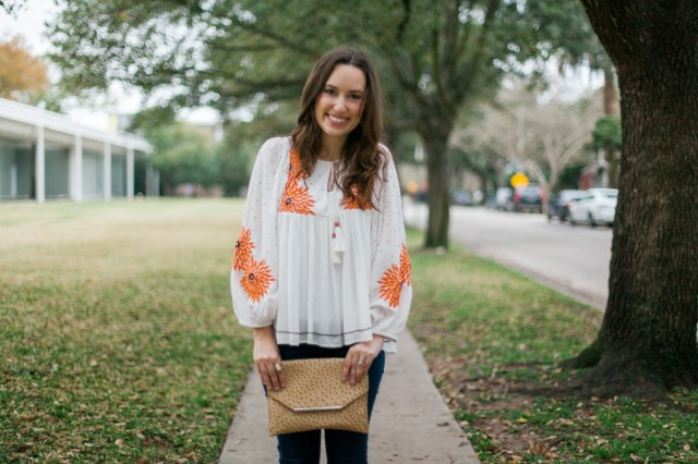 anthropologie orange and white peasant top, anthropologie austral peasant blouse, the lone star looking glass, houston rodeo style, rodeo boho style, anthro orange and white embroidered top