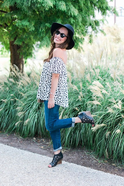 anthropologie off the shoulder top, garden grove top, anthropologie garden grove top, off the shoulder polka dot dot, anthropologie, ag jeans, the lone star looking glass, houston fashion blogger, top houston fashion blogger, fall transitional style, texas fall style